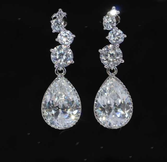 Wedding Earrings, Bridesmaid Earrings, Cascading Round Cubic Zirconia Earring With Teardrop Cubic Zirconia (E391)