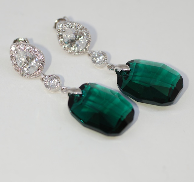 Cubic Zirconia Detailed Earrings Round Cz With Swarovski Emerald Green Graphic Pendant Wedding Bridesmaid E562