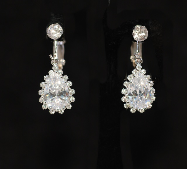 Non Pierced Clip On Crystal Earring with Teardrop Cubic Zirconia (E663)